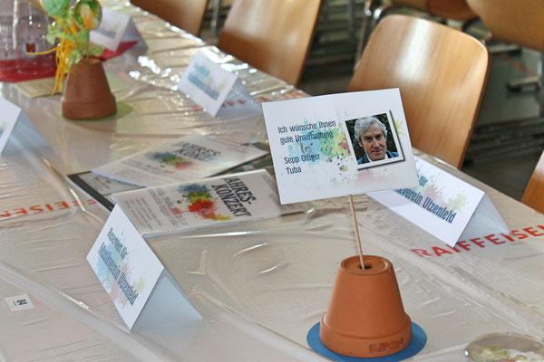 Jahreskonzert 24. März 2018 Mehrzweckhalle Kölliken; Tischdekoration «Ich wünsche Ihnen gute Unterhaltung»