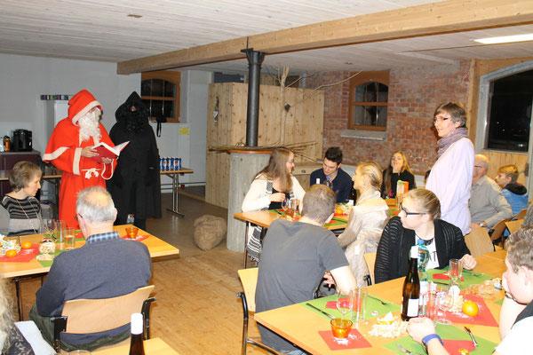 Sankt Nikolaus Lorenz Halder, Schmutzli Sämi Wälty, Johanna Foltrauer; Jahresschlusshock 5. Dezember 2015 Matte Holziken