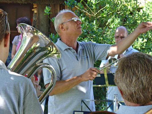 Dirigent Hansjörg Ammann; Bundesfeier 1. August 2010 Strohdachhaus (Kölliker Dorfmuseum)
