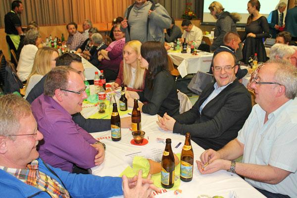 Delegation des MV Utzenfeld (D): Richard Behringer, Hartmut Meyer, Simon Redling, Simone Ulrich, Maria Kaiser, Felicitas Kaiser (1. Vorsitzende), Frank Döring (2. Vorsitzender), Peter Kaiser; Jahreskonzert vom 1. April 2017 in der Mehrzweckhalle Kölliken
