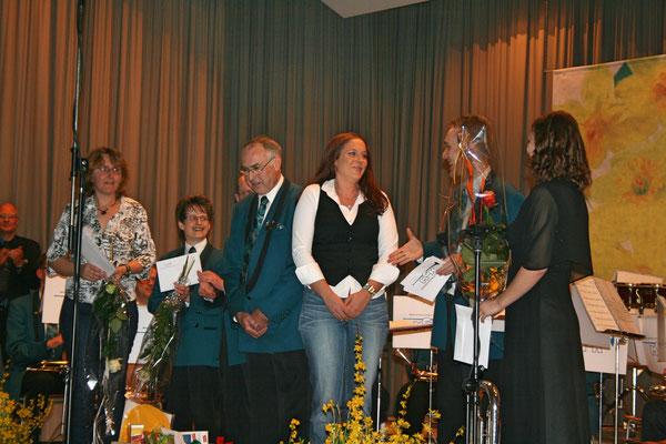 Versabschiedung von Eveline Suter, Ehrendame; Jahreskonzert 26. März 2011 Mehrzweckhalle Kölliken