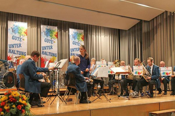 Jahreskonzert vom 23. März 2019 MZH Kölliken; Annamaria Gamp macht sich bereit für «Die beiden kleinen Finken»