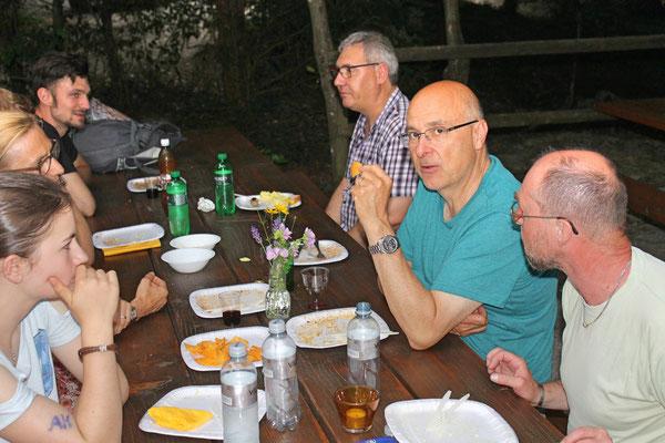 Hock (Grillieren) bei der Waldhütte Salamander Kölliken 1. Juli 2019; Markus Brechbühl (mit Chip)