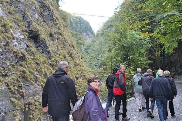 Musikreise 23. und 24. September 2017 nach Elm GL, Fläsch GR, Taminaschlucht SG; Wanderung von Bad Ragaz nach Altes Bad Pfäfers; Heidi Franz