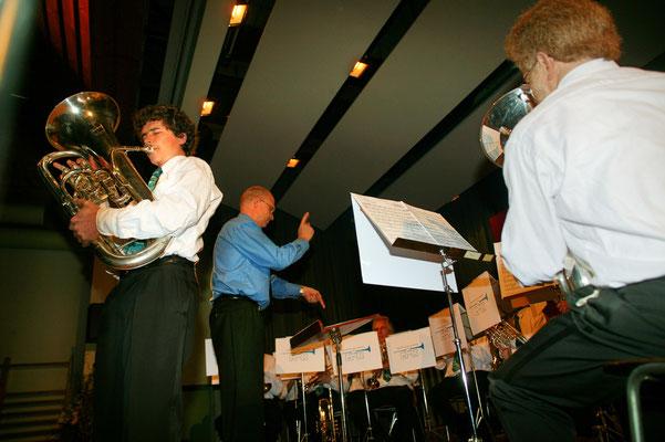 Jahreskonzert 19. März 2005; Hansjörg Ammann 20 Jahre MGK-Dirigent; Solo von Christoph Huber