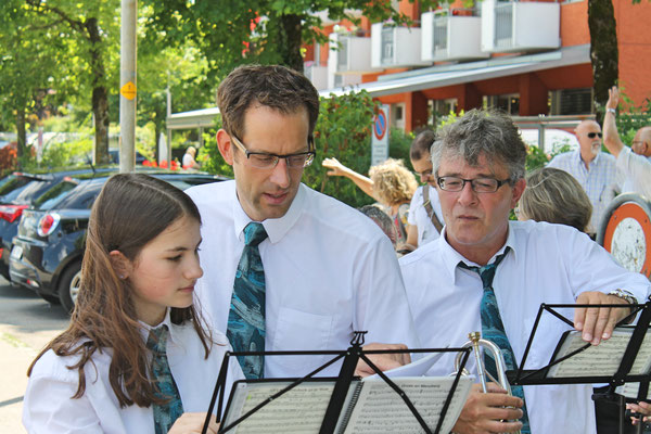 Empfang der Turner vom Eidg. Turnfest Bahnhof Kölliken 23. Juni 2019; Annamaria Gamp, Dani Widmer, Kurt Woodtli