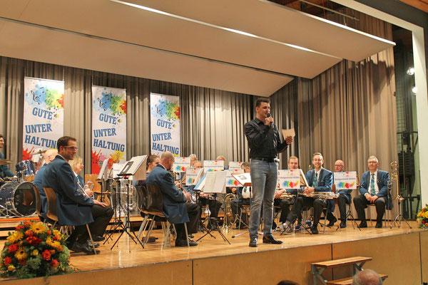 Jahreskonzert vom 23. März 2019 MZH Kölliken; Moderator Raphael Dobmann