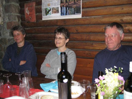 Elisa Landis (Kassierin), Beatrice Messer, Kurt Baumann; Bräteln 2. Juli 2012 Waldhütte Salamander Kölliken