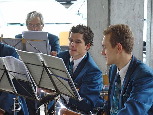 Christoph Huber (links), Matthias Zeltner; Jubiläum Coop Birkenhof Kölliken am 16. Oktober 2010