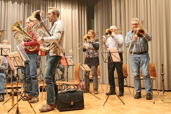 Probe vom 19. März 2018 Mehrzweckhalle; Matthias Graber (links) und Matthias Zeltner (Euphonium); v.l. Johanna Foltrauer, Daniele Fabbro, Albert Furrer (Posaune)