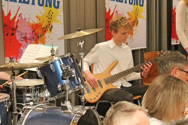 Jahreskonzert 24. März 2018 Mehrzweckhalle Kölliken; Valentin Ammann, Bass