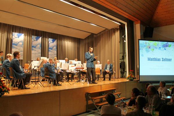 Begrüssung durch den MGK-Präsidenten Matthias Zeltner; Jahreskonzert vom 1. April 2017 in der Mehrzweckhalle Kölliken