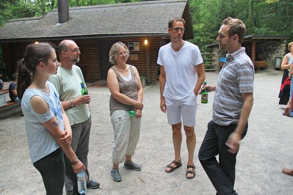 Hock (Grillieren) bei der Waldhütte Salamander Kölliken 1. Juli 2019; v.l. Annamaria Gamp, Röbi Messer, Jacqueline Erismann, Dani Widmer, Matthias Zeltner