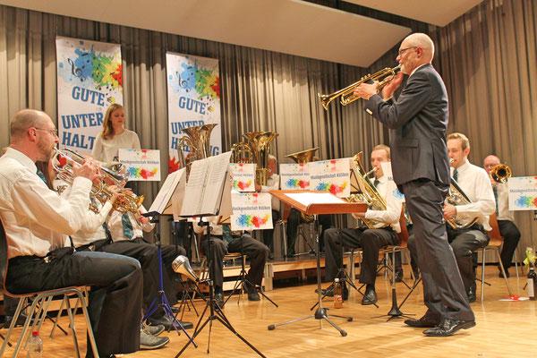Jahreskonzert 24. März 2018 Mehrzweckhalle Kölliken; Trompetensolo von Dirigent Hansjörg Ammann während der Zugabe «Easy Gloryland»