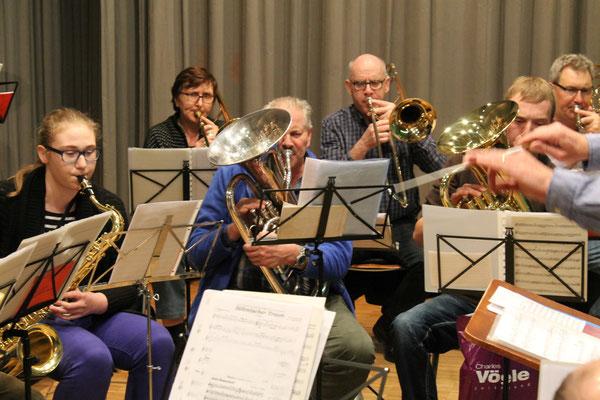 Corinne Furrer (Saxophon), Hansruedi Ernst (Euphonium), Matthias Graber (Euphonium); Generalprobe 29. März 2016 für Jubiläumskonzert vom 2. April 2016