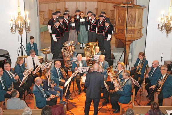 Kirchenkonzert mit dem Jodlerklub 9. Dezember 2018; MGK dirigiert von Hansjörg Ammann; Jodlerklub geleitet von Martin Flury