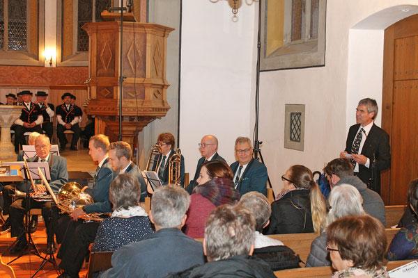 Kirchenkonzert mit dem Jodlerklub 9. Dezember 2018; Moderator Pfarrer Ruedi Gebhard