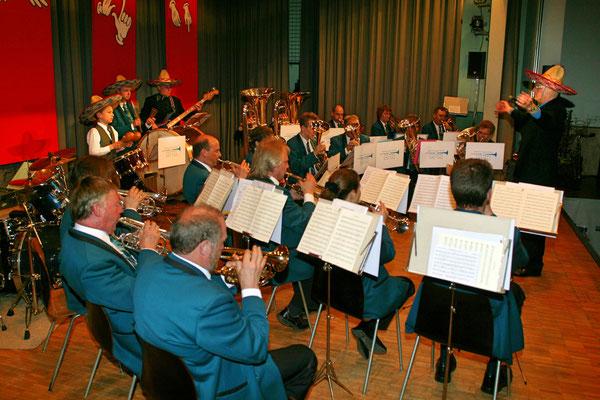 """Jahreskonzert 19. März 2005; Hansjörg Ammann 20 Jahre MGK-Dirigent; Samba Orfeo"""""""