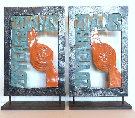 """Trophées Terres Nathales """"20 ANS-20 YEARS"""" remis de la mairie de Hudimesnil à Thornford et vice-versa"""