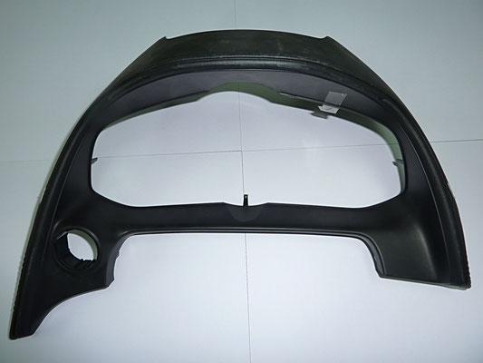 自動車メーターフード部品  材質:PP、TPS