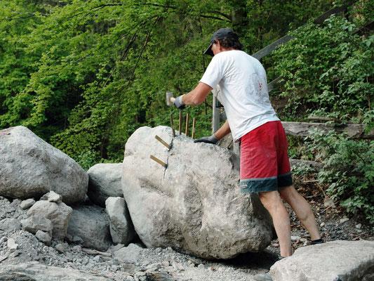 Gewusst wie! Dann bricht der Stein auch so wie er soll!