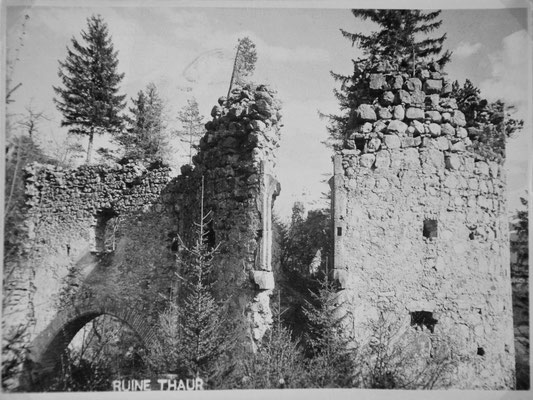 Barbakane um 1910 mit eingestürztem Torbogen.
