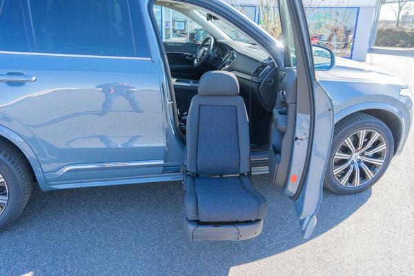Behindertengerechter Volvo XC90 Beifahrerumbau
