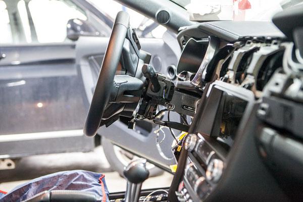 Einbau der Elektronik für den Gas-Bremsschieber