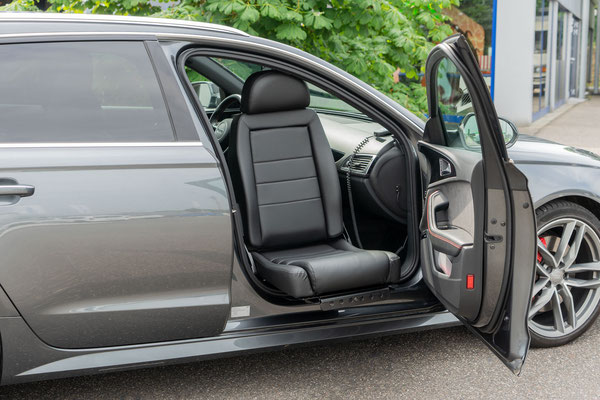 Audi A6 Avant Beifahrerumbau