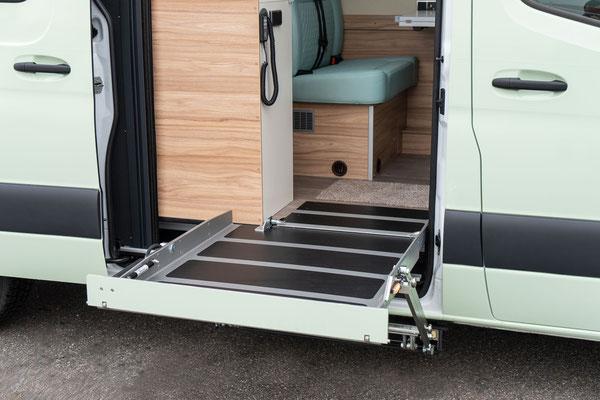Behindertengerechtes Mercedes-Benz Sprinter Reisemobil