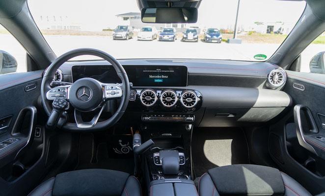 Behindertengerechter Mercedes-Benz CLA 200 Selbstfahrerumbau