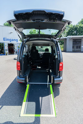 Behindertengerechter Volkswagen Caddy Selbstfahrerumbau