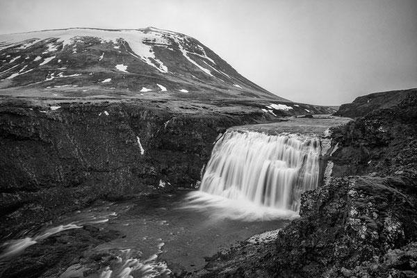 Iceland Mono 08