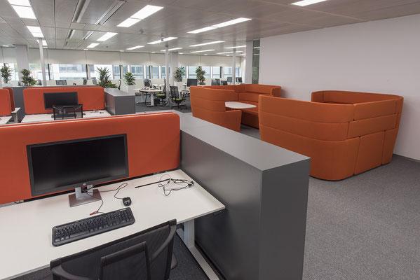 Umbau GENO Haus Stuttgart - Wienss Innenausbau GmbH - offene Büroarchitektur mit Kabinen-Ambiente