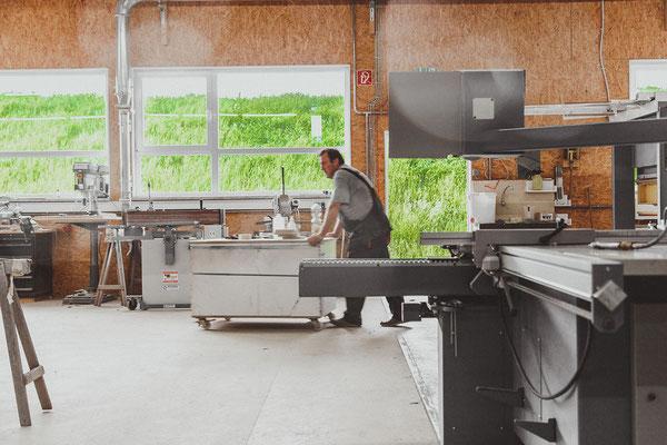 Karriere bei Wienss Innenausbau GmbH - Welzheim, Schreiner / Schreinermeister (m/w) - arbeiten in der Fertigung