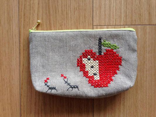 りんごとアリ