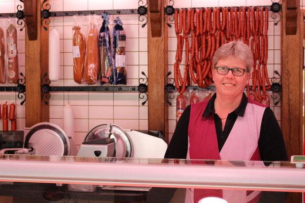 Monika Lücke, Fleischereifachverkäuferin