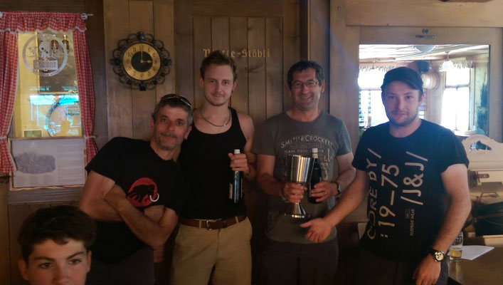 Ruedi, Silvan und Rolf mit Biene