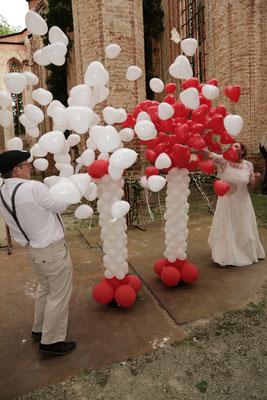 Mr. Balloni.ch, Hochzeit, Liebe,  Explosionsballon, Exploderballon, Herzen, Helium, Überraschung