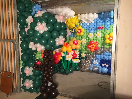 Mr. Balloni.ch, Ballonwand, Raumdeko, Ballonblumen, Dekorationen,Phantasie, Fantasie, Überraschung, Verwandlung, Ballonbaum