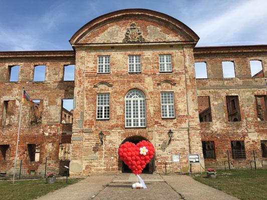 Mr. Balloni.ch, Hochzeit, Liebe,  Herz, Klosterruine Dargun, Dargun, Dekoration
