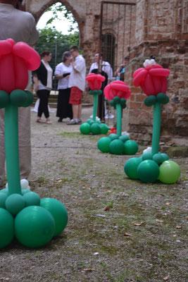 Mr. Balloni.ch, Hochzeit, Liebe,  Ballonrosen, Dekoration, Kirche, Ruine