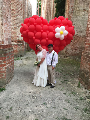 Mr. Balloni.ch, Hochzeit, Liebe,  Ballonherz, Dekoration, Geschenk,