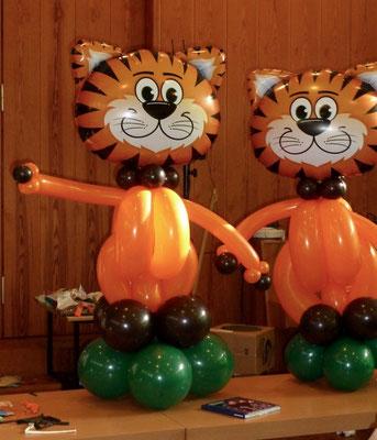 Mr. Balloni.ch,  Tischdekoration,Raumdeko, Dekorationen,Phantasie, Fantasie, Geburtstag, Kinder, Dschungel, Tiger, Ballontiere