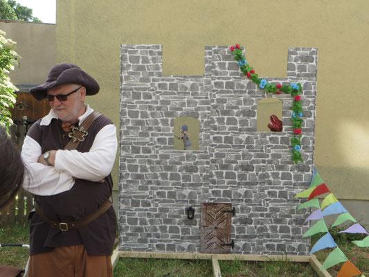 Die Burgmauer und ihr Baumeister