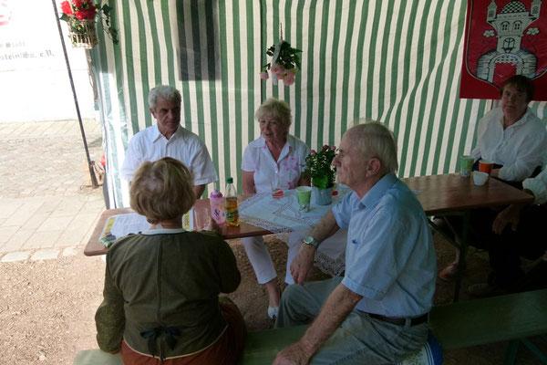 Gäste im Zelt ...