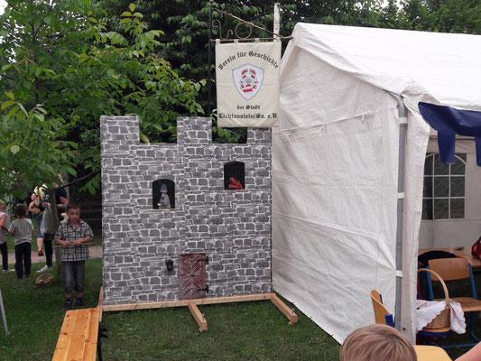 ... auf feste Burgmauern mit Rittern und Drachen