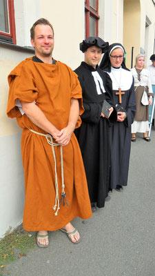 gemeinsam mit einem Mönch