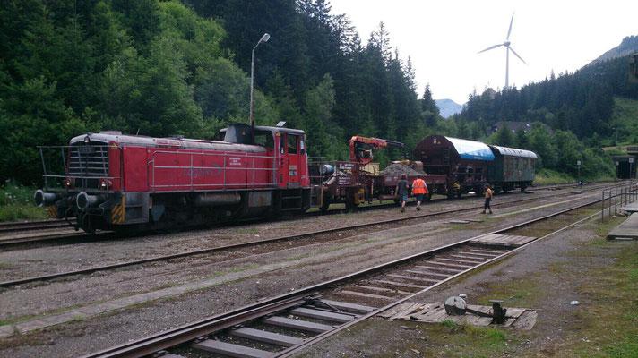 Zusammenstellung des Zugs am Bhf. Präbichl