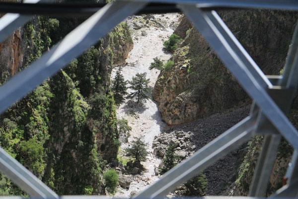 Blick nach unten zur Talsohle